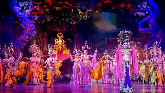 alcazar show chuong trinh transvestite cabaret tot nhat o thai lan 1 thái Lan